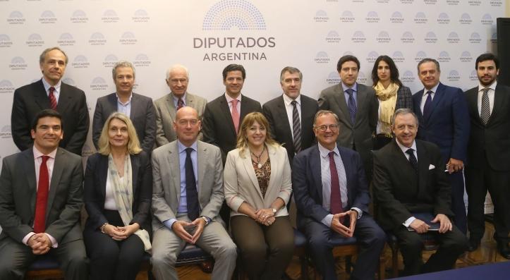 Guillermo Hunt y Diputados